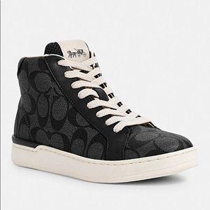 Clip High Top Signature Sneakers Black